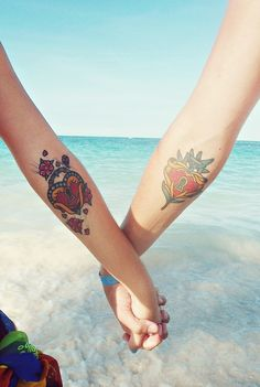 queen of hearts, couple tattoos, coupl tattoo