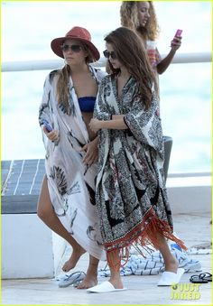 Selena Gomez: Bikini Beach Babe in Miami! | Bikini, Selena Gomez Photos | Just Jared