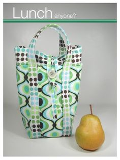 Lunch Bag Sewing Tutorial + Free Pattern Hundreds of Patterns for Making Handbags, Totes, Purses, Backpacks, Clutches, and more.