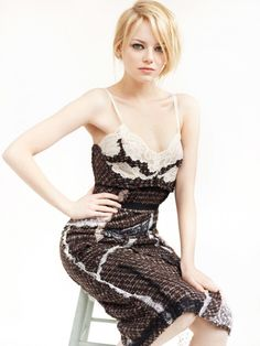 Emma Stone for Vogue US July 2012 by Mario Testino (1)
