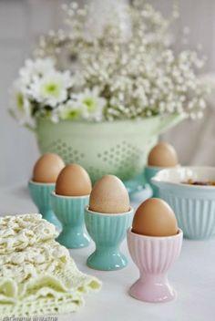 soft pastels & eggs au` natural
