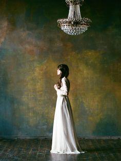 Old world, regal wedding dress | Katerina Lobova Photography