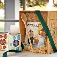 Cupcake Gift Set from Williams-Sonoma