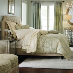 Vienna Tufted Complete Bed