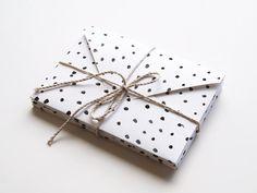 dots envelope