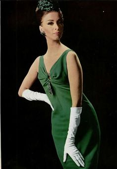 A lovely sleeveless green 1960s cocktail dress by Dior. #vintage #fashion #1960s
