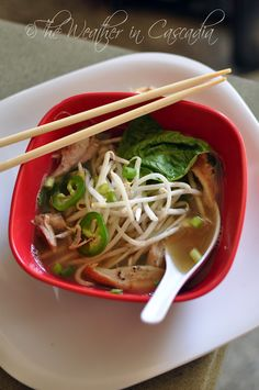 The Weather in Cascadia: lemongrass chicken pho