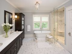wall colors, tile, cabinet, tub, master bathrooms