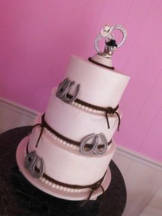 fondant horseshoe cake decor
