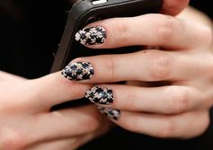 We're Mad for this Plaid #nailart! - Nail Art So Easy, All You Need is a Bobby Pin