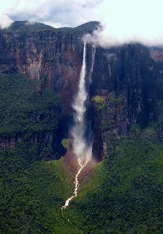 Cataratas del Salto del Ángel, Venezuela. El mismo lugar al que Carl, de la película UP queria ir!!