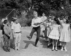Doris Day - Please Don't Eat The Daisies