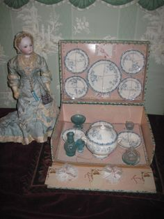 MAGNIFICENT Rare Miniature French Victorian Doll/Toy Dinner Set in Presentation Box!