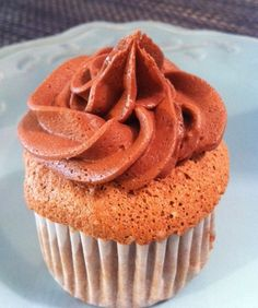 Lookng for a Cinco de Mayo dessert that's light, delicious and out of the ordinary? Here's a suggestion: Mexican chocolate angel food cupcakes.