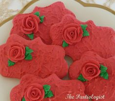 The Partiologist: Royal Roses!