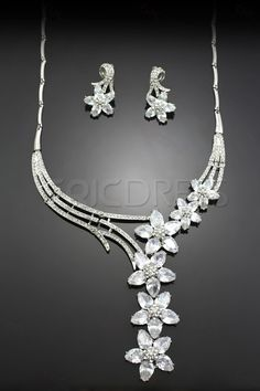 Fabulous Alloy with Fine Clear Flower Shaped Rhinestone Jewelry Set(Including Necklace and Earrings)