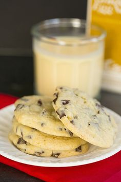 Dark Chocolate Chunk Eggnog Cookies by @Michelle (Brown Eyed Baker) :: www.browneyedbaker.com