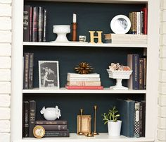 bookshelf color and styling