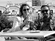 Kelly Simpson y Juan Diez Ausias, Editores de Honest Cooking España brindan por la nueva edición española de la revista culinaria.