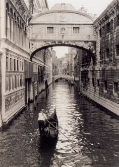 Bridge of Sighs between Doges Palace & an old prison on canal in Venice