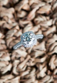 Square cut engagement ring (Photo by  Andres Valenzuela)