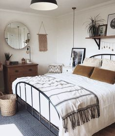 Small Bedroom Ideas - Small rooms can have grand style with the ideal style ideas #smallbedroom #bedroomideas #smallbedroomoffice