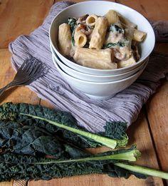 high protein vegan cauliflower alfredo sauce.