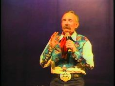 """Baxter Black at the National Cowboy Poetry Gathering performs his poem """"Trigger"""" #RoyRogers #DaleEvans #HappyTrails"""