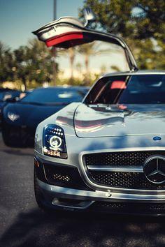 #Mercedes #SLS