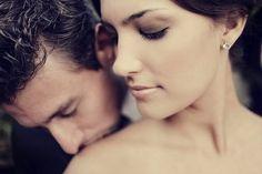 kiss, natural makeup, romantic couples, wedding ideas, dramatic eyes