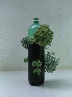 reciclado de botellas de plastico - jarrones y macetas 9