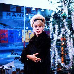 Catherine Deneuve in Les parapluies de Cherbourg (1964)