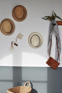 wall hooks, straw hats, interiordecorwith hat, hous, hallway
