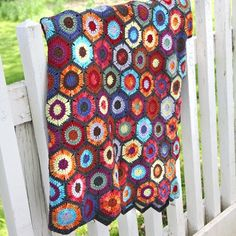 crocheted afghans, blanket, valley yarn, crochet afghans, color combos, afghan patterns, brook crochet, yarns, hexagon