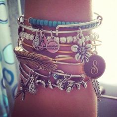 Alex and Ani summer styles, stacked bracelets, arm party, charm bracelets, accessori, alex and ani, hippy style, arm candies, alex o'loughlin
