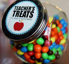 back-to-school-teacher-gifts - treat jar