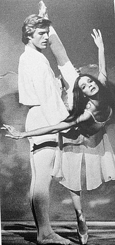 Peter Martins and Suzanne Farrell in Balanchine's Chaconne.