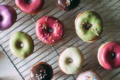 RECIPE: BISCUIT DONUTS WITH NATURALLY COLORED GLAZES