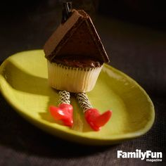 Wickedly Tasty Witch: We've cleverly crafted a scene pulled right from Dorothy's famous adventure. Complete with a chocolate graham cracker roof, licorice legs, and molded taffy shoes, each sweet rendition is a whimsical nod to a (not-so-) beloved character.