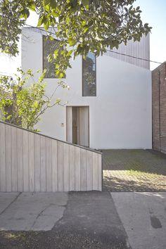 Casa Arco / Edwards Moore