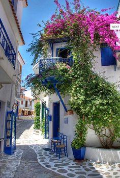 Skiathos island-Greek streets!