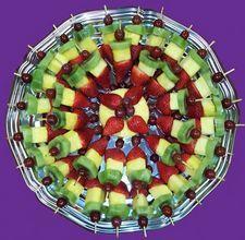 Fruit platter idea, appet, food, fruit platters, fruit kabobs, recip, fruitkabob, fruit trays, parti