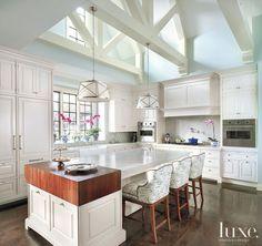 Gasp! Love this kitchen.