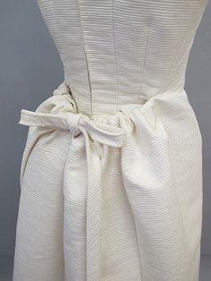 Dress.  House of Balenciaga (French, founded 1937).  Designer: Cristobal Balenciaga (Spanish, 1895–1972). Date: 1960s. Culture: Spanish. Medium: silk. Dimensions: Length at CF: 51 1/2 in. (130.8 cm).