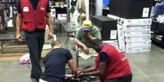 Double Amputee Veteran's Wheelchair Breaks In Lowe's Store, Employees Drop Everything To Fix It