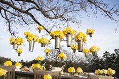 yellow flowers, hanging flowers, flower buckets, garden parties, outdoor parties, daffodils, allen smith, parti idea, hang flower