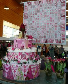 Dear Jane quilt exhibit in Nantes (France) - complete with Dear Jane quilt cake, posted at Atelier de Tante Lucie