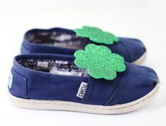 DIY Shamrock Shoe Clips | With Lovely