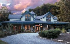 Eight Gables Inn - Gatlinburg, TN. Eight Gables Inn is conveniently located minutes from downtown Gatlinburg and Pigeon Forge. Golf courses, shopping, Dollywood, musical theaters, white-water rafting, hiking, nature trails and horseback riding are easily accessible.