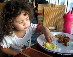 Ten Tips for Disney Cruise Line Dining with a Toddler!